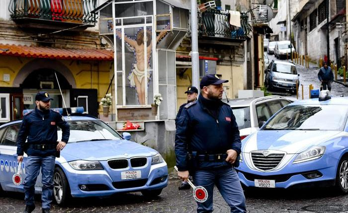 Nuova sparatoria a Napoli Est, auto a noleggio crivellata di proiettili