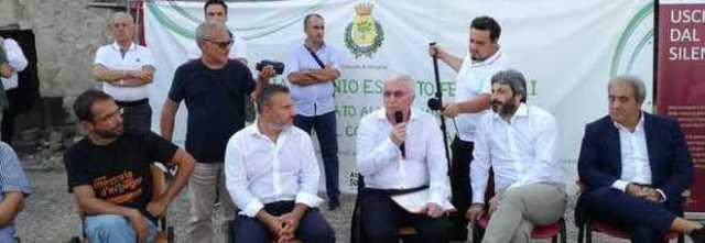 Il presidente della Camera Fico, blitz ad Afragola negli orti sociali dedicati alla vittima della camorra