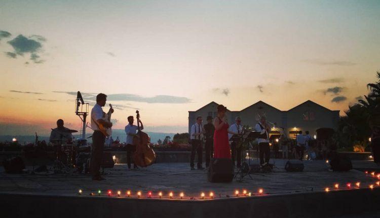 Pietrarsa, note e calici vini al tramonto: dopo Flo, il 16 ci saranno le Sinfonie sul Mare