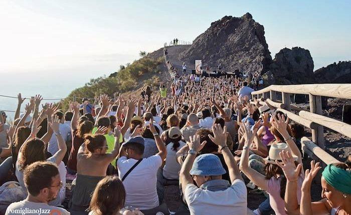 Pomigliano Jazz in Campania,XXIII edizionepresentaLouis Sclavis & Dominique PifarelyConcerto al tramonto sul cratere del Vesuviostasera alleore 18