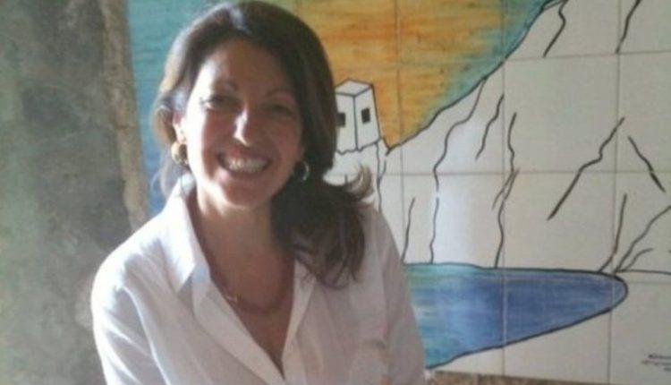 Una targa nel cimitero a Portici per ricordare Teresa Buonocore la madre coraggio porticese uccisa barbaramente otto anni fa
