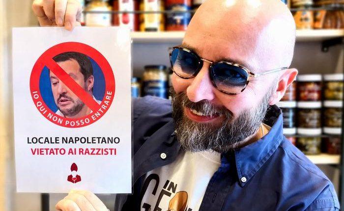 """In un locale a Napoli: """"qui Salvini non entra"""" e su Fb i sostenitori leghisti lo riempiono di minacce"""