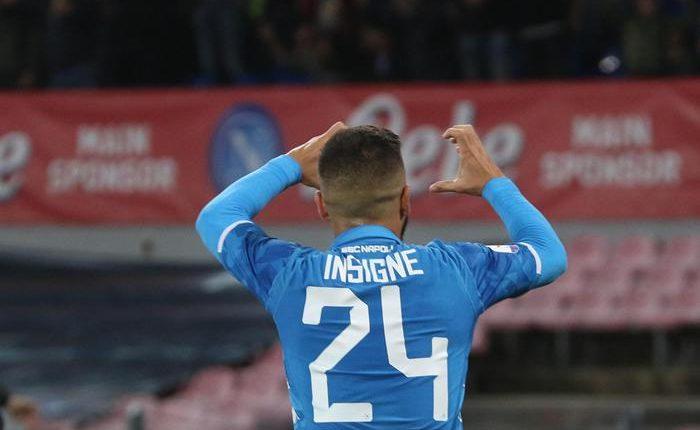 Calcio: Napoli-Sassuolo 2-0:Ounas e Insigne firmano la vittoria. I partenopei secondi da soli