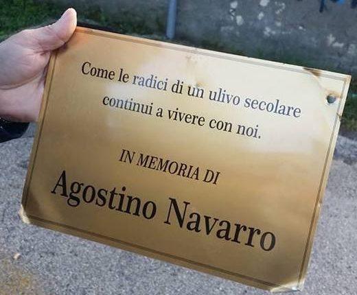 La targhetta titolata alla memoria di Agostino Navarro è stata ritrovata