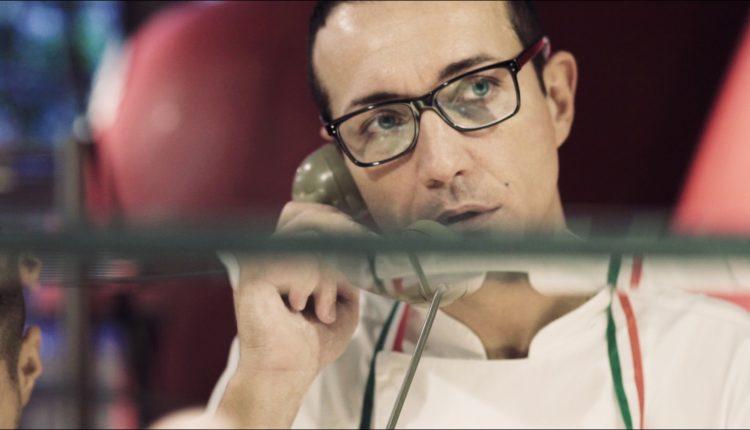 """""""The Masters of beauty"""": Gino Sorbillo e la margherita d'argento:il mondo della pizza incontra l'artigiano orafoFlavio Toroin un video creativo"""