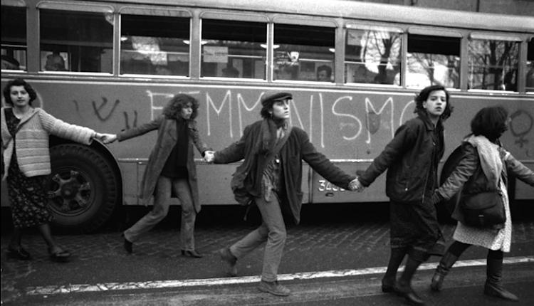 """""""Fotografia di una storia 1968 – 2018"""" Femminismo e movimenti delle donne a Napoli e in Campania"""": gli alunni del Liceo SIlvestri in mostra a Villa Fernandez. Fino al 12 novembre"""