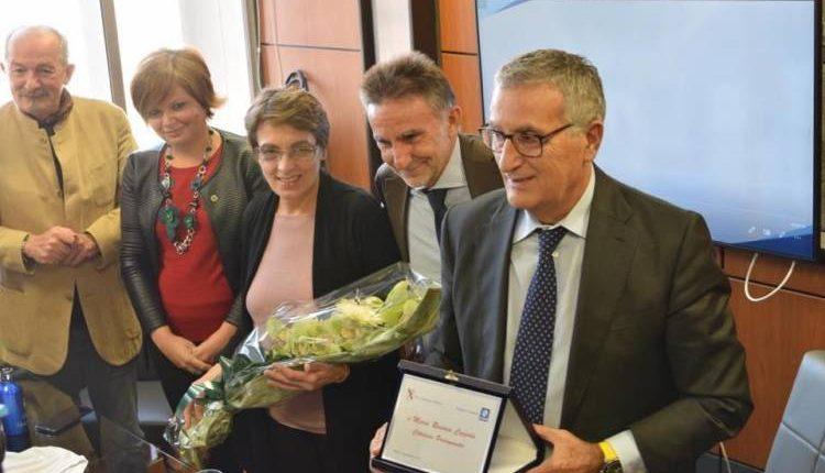 A Maria Rosaria Coppola, l'eroina della Circumvesuviana, un premio da Regione e Eav