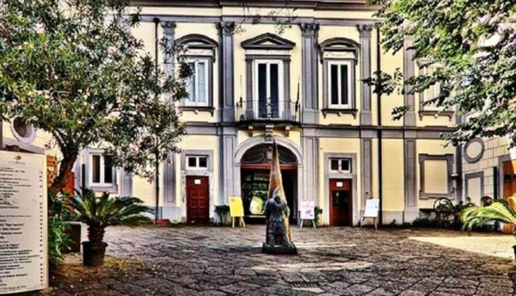 """""""Artigiani in Villa"""" 8 e 9 dicembre in Villa Bruno eccellenze in mostra, visite guidate, musica e danza"""