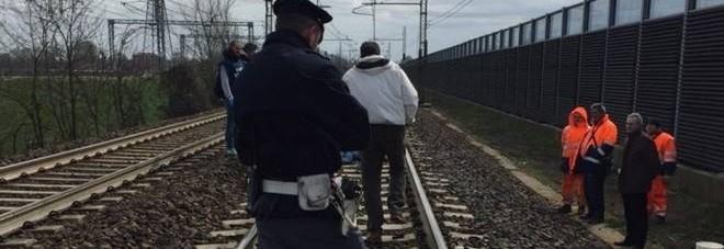 Cadavere di donna sui binari tra Pietrarsa e Portici: traffico ferroviario sospeso per due ore