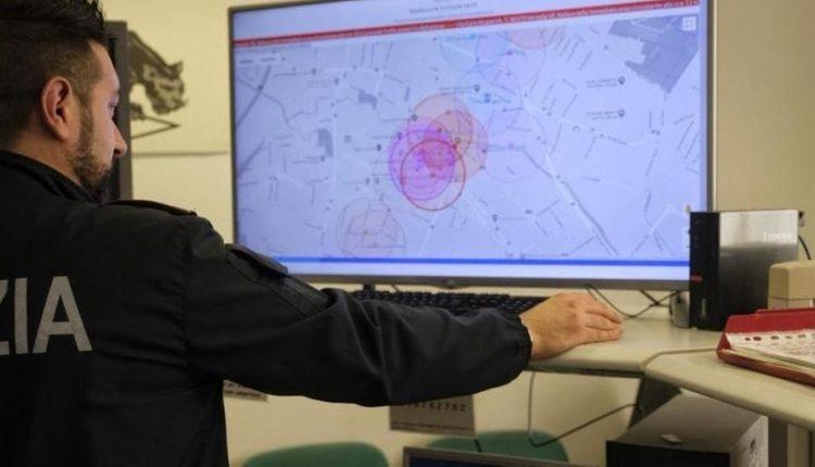 Napoli, il sistema elettronico XLaw prevede un furto: la polizia denuncia un uomo