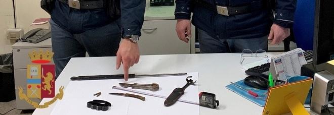 A spasso con coltelli, tirapugni e spranga di ferro: quattro denunciati a San Giorgio a Cremano