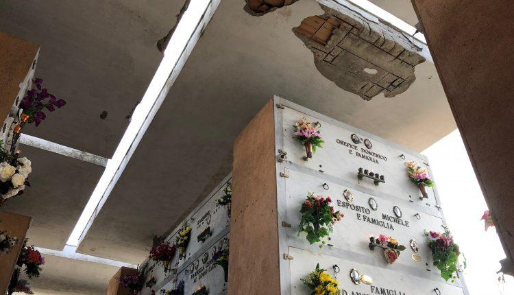"""A Pollena Trocchia il cimitero è pericoloso. I soffitti del """"vecchio"""" Camposanto cittadino sono fatiscenti"""