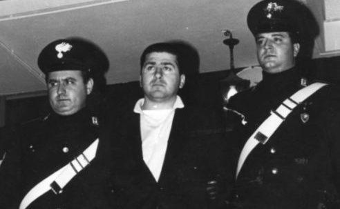 Ucciso perchè cognato di un pentito della Nco:dopo 18 anni i carabinieri e la Deafanno luce su una vendetta trasversale di camorra