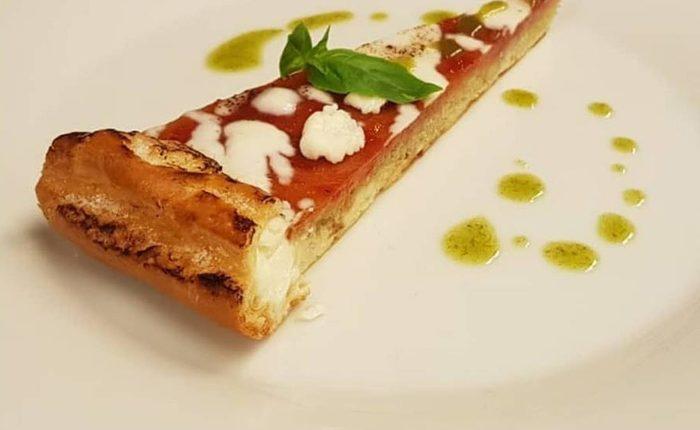 Si chiama pizza, ma è una torta dolce: all'Archivio Storico di Napoli la proposta di Pasquale Palamaro
