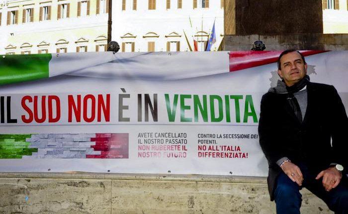 """Luigi de Magistris: """"Entro anno referendum per l'Autonomia della città di Napoli, poi per l'intero Sud"""""""