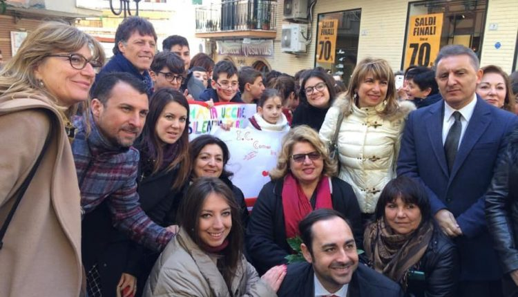 Per non dimenticare Teresa Buonocore, a Portici una panchina rossa porterà il suo nome