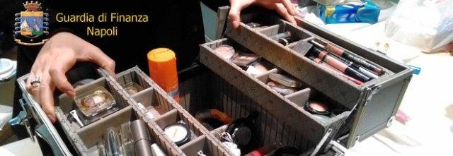 Il centro estetico abusivo a casa: sequestrati gel e acidi scadutia Portici