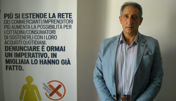 """Il presidente dell'associazione anti racket di Pomigliano, minacciato su Facebook. """"Non fai paura, farai una brutta fine"""""""