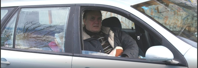 Somma Vesuviana, senza lavoro né casa vivono in auto: salvati dal sindaco di Somma