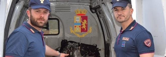 Motore di un'auto rubata in furgone, denunciato 54enne per ricettazione nel Napoletano