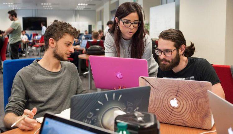 Apple Academy a Napoli, nuovo bando per circa 400 studenti