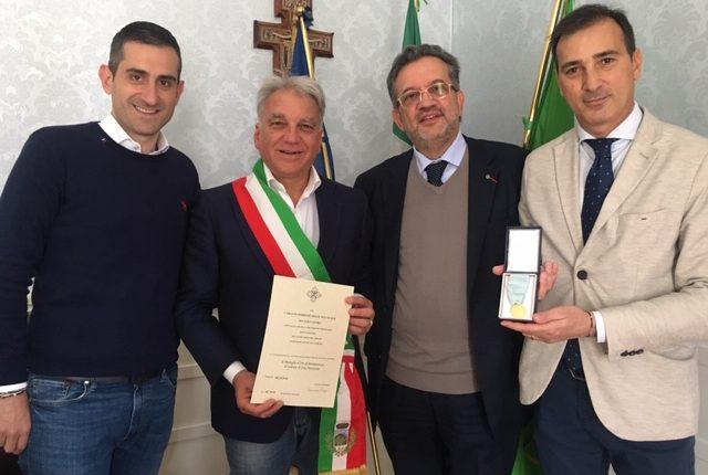 Una benemerenza rilasciata al Comune di Sant'Anastasia dal Sovrano Militare Ordine Costantiniano di San Giorgio