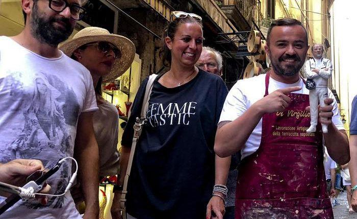 Sarri-Giuda nelle botteghe del presepe:Pastore ex allenatore Napoli rimosso. Ora esposto tra bianconeri
