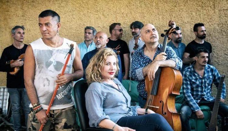 Capone & BungtBangt e Solis String Quartet con Iaia Forte in STRATIVARI