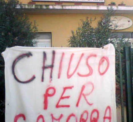 «Chiuso per camorra», nuovo furto nel ristorante «Ciro a Mare» a Portici