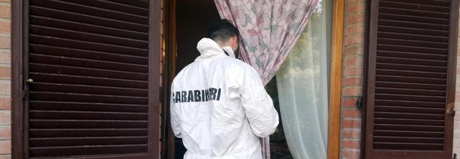 Palma Campania, due fucili rubati e centinaia di cartucce nascosti nell'armadio