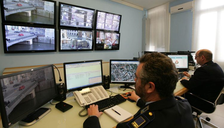 IL GRANDE FRATELLO  A Portici l'implementazione del sistema di videosorveglianza permetterà di leggere le targhe in ingresso e uscita dalla città