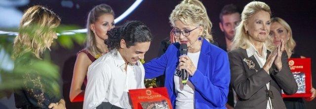 """Premio per poesia a mamma uccisa dall'ex: """"Women for Women"""" dedicata alla violenza di genere e tumore al seno"""