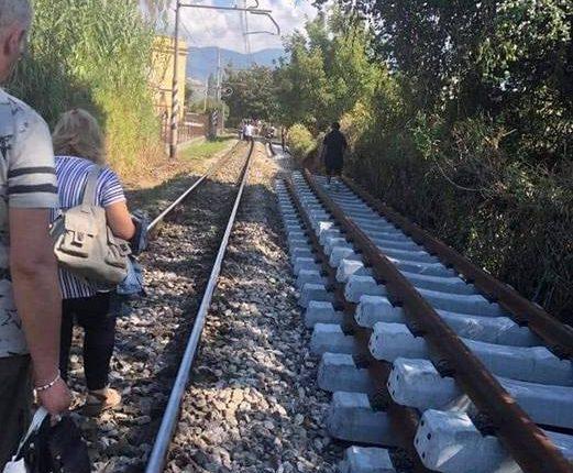 Treno ko e turisti a piedi, interviene l'Abbac, l'associazione dei B&B di Napoli