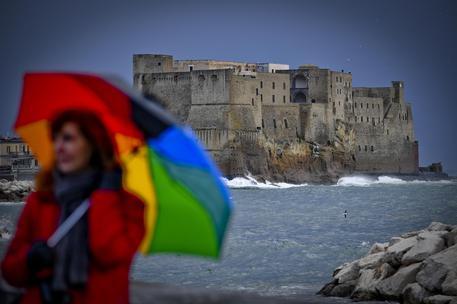 Maltempo: Campania, allerta gialla della 20 di stasera, si prevedono temporali e raffiche vento