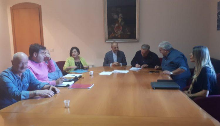 VESUVIO SOLIDALE – A Somma Vesuviana, firmata una convenzione tra Comune, Caritas e Fondazione S.I.C.A.R. per accogliere persone senza casa