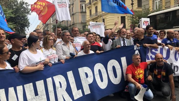 Napoli, Whirlpool ritira la procedura di cessione. La soddisfazione del Ministro del lavoro e dello sviluppo