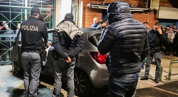 Agguato a Napoli, ucciso 30enne come un boss: la vittima non era affiliata a nessun clan