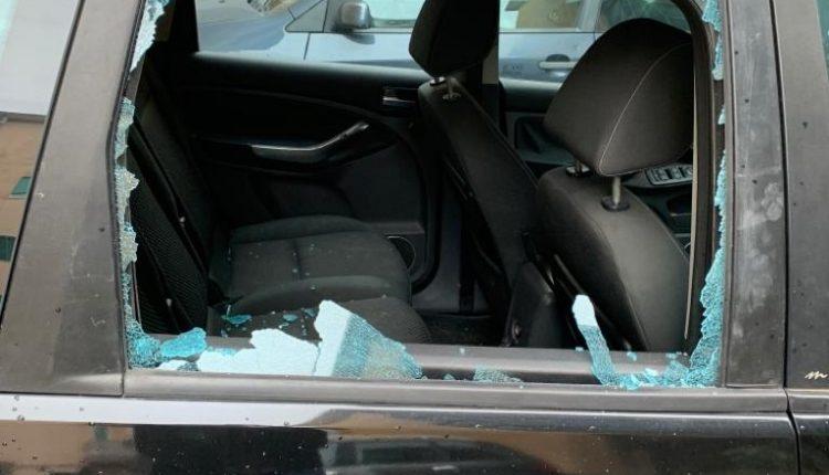 A Portici in frantumi i finestrini dell'auto del referente locale di Libera Leandro Limoccia