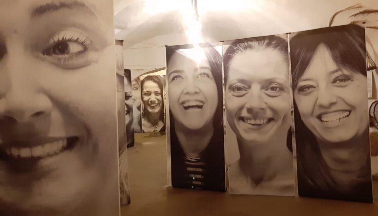 """Con le foto di Tiziana Mastropasqua, il Museo Contadino di Somma Vesuviana e l'Associazione Eva pro Eva dicono """"no"""" alla vioelenza sulle donne"""