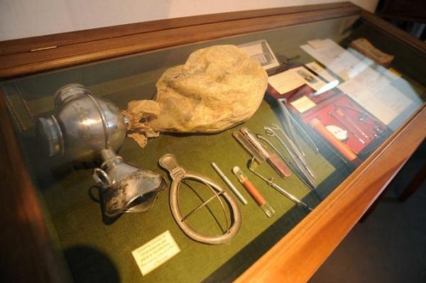Musei 'gemellati', intesa da medicina ad arte: il Museo delle Arti Sanitarie di Napoli avvia una collaborazione con il Museo storico nazionale dell'arte sanitaria di Roma