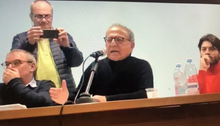 CONCORSOPOLI A SANT'ANASTASIA – Dopo gli arresti per i brogli ai concorsi si dimettono tutti. Aspettando il voto, Carmine Esposito, Mario GIfuni e Ciro Pavone tengono una conferenza stampa