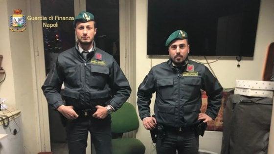 Napoli, la Finanza sequestra 33 chili di cocaina. Un arresto