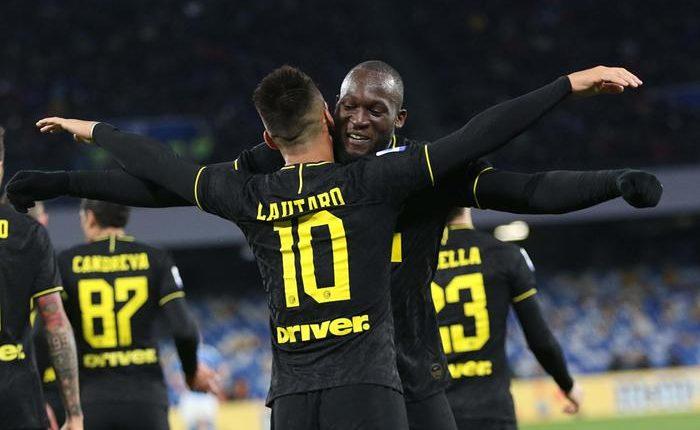 Napoli-Inter 1-3 nel posticipo:doppietta Lukaku con complicità Di Lorenzo e Meret, poi Lautaro