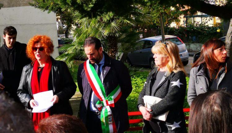 CERCOLA NON DIMENTICA – In occasione della Giornata della Memoria, il 27 gennaio alle ore 19:00 Cercola si radunerà presso il Piazzale dei Platani per svolgere una fiaccolata tra le strade della città