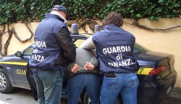 Narcos napoletano legato ai colombiani catturato dalla Finanza: era ricercato da sei mesi