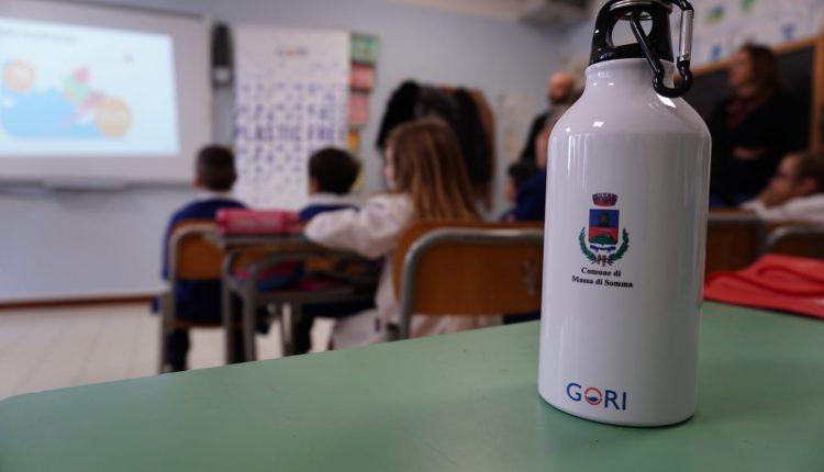 A MASSA DI SOMMA – Plastic free, il progetto di Gori arriva a scuola, soddisfatti l'assessore Nicola Manzo e il sindaco Gioacchino Madonna