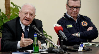 Coronavirus, il Tar dà ragione al Governatore De Luca: no allo sport all'aperto