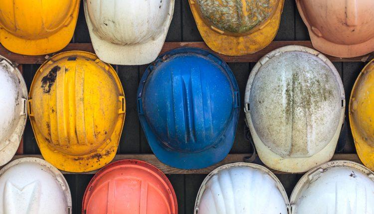 Il Governatore De Luca ferma i cantieri privati fino al 3 aprile, salvo casi di urgenza e sicurezza