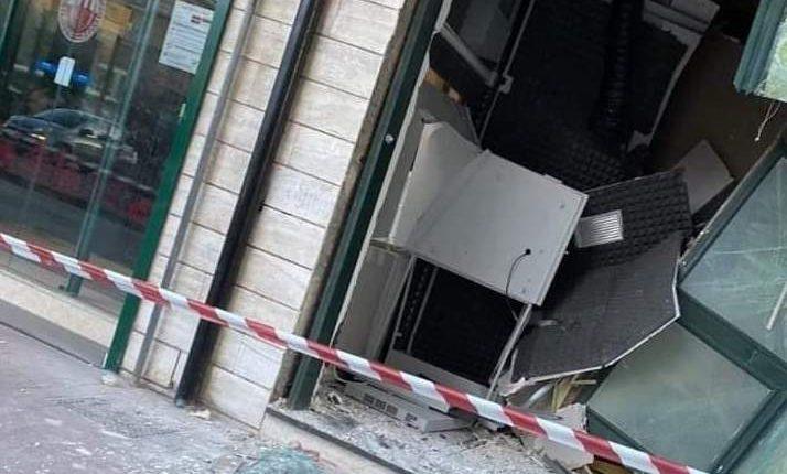 Qualche giorno fa gambizzato ex consigliere comunale di San Giorgio a Cremano, stamattina scassinato un bancomat