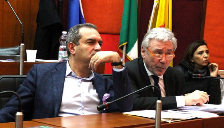 Coronavirus a Napoli, al via il fondo comunale di solidarietà della Giunta de Magistris